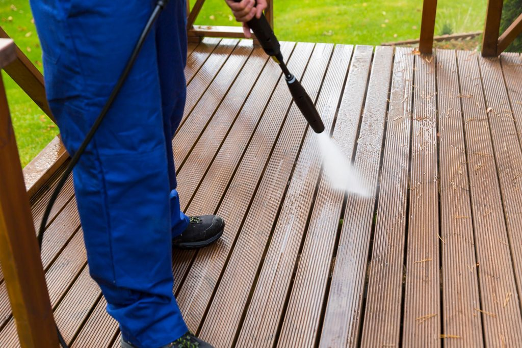 deck power pressure washing