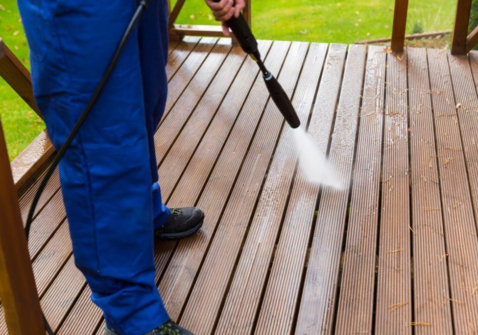 deck power pressure washing